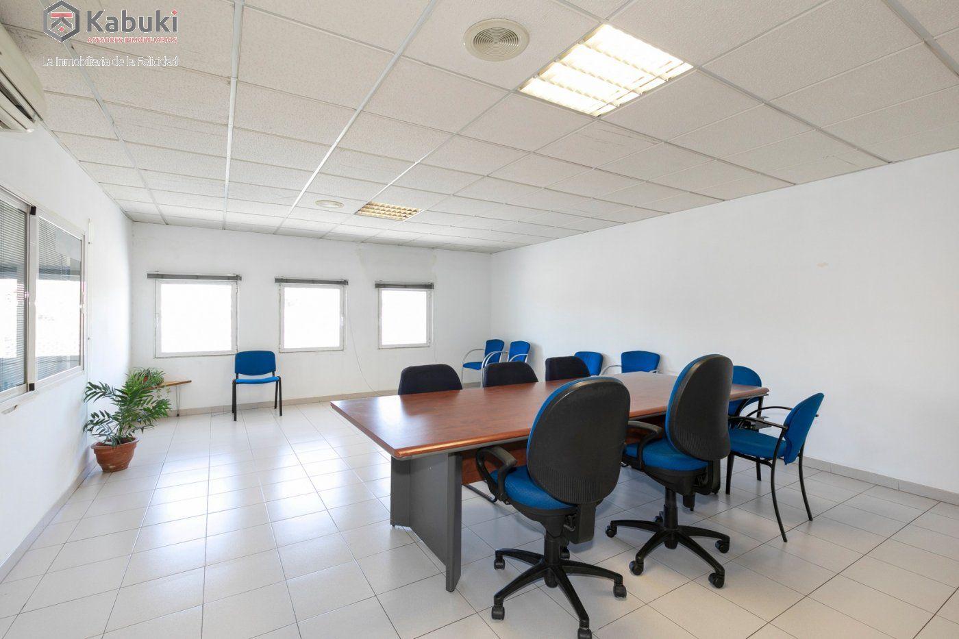 Magnífica oficina luminosa con un inmejorable acceso desde la circunvalación - imagenInmueble2