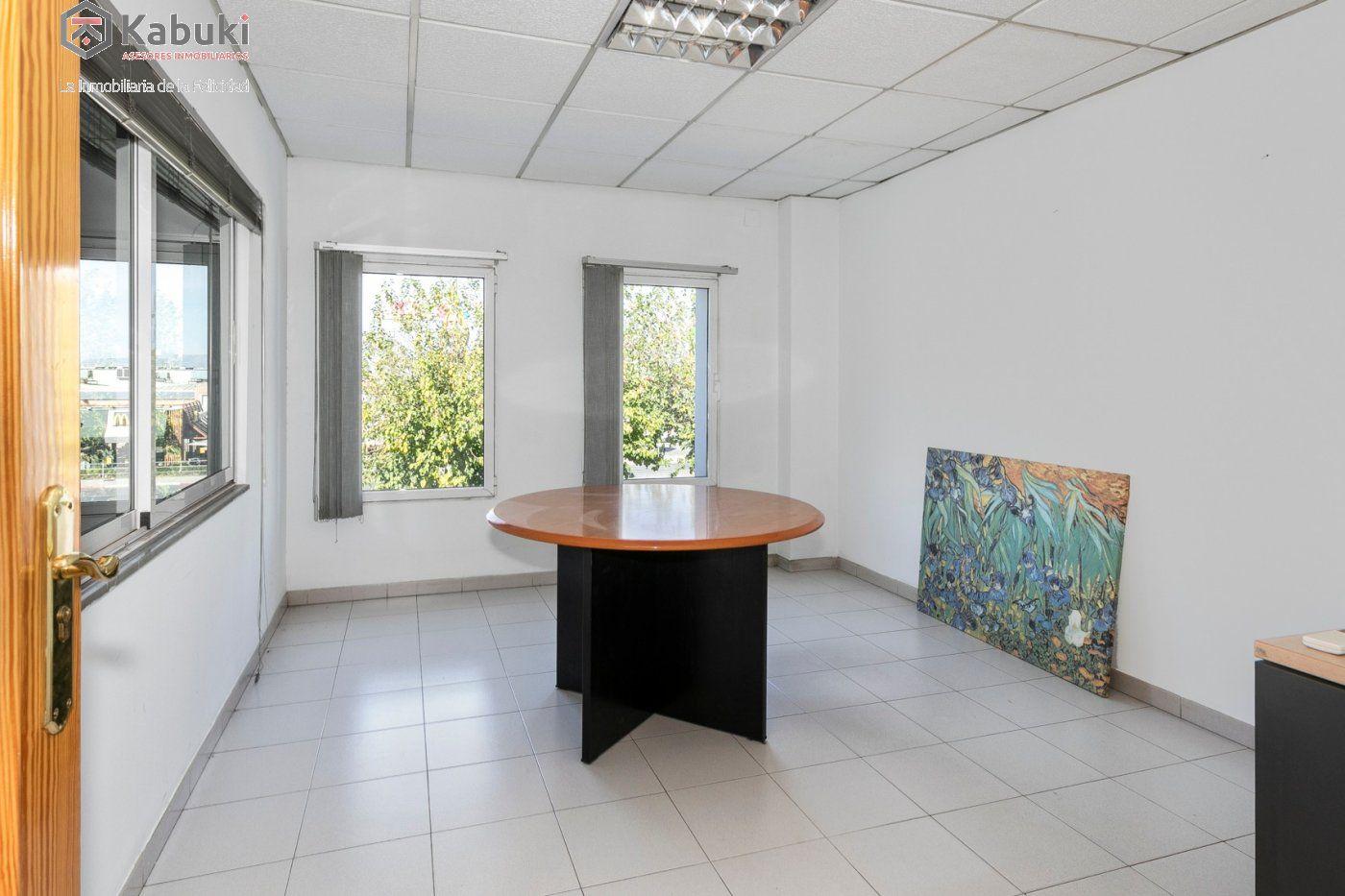 Magnífica oficina luminosa con un inmejorable acceso desde la circunvalación - imagenInmueble8
