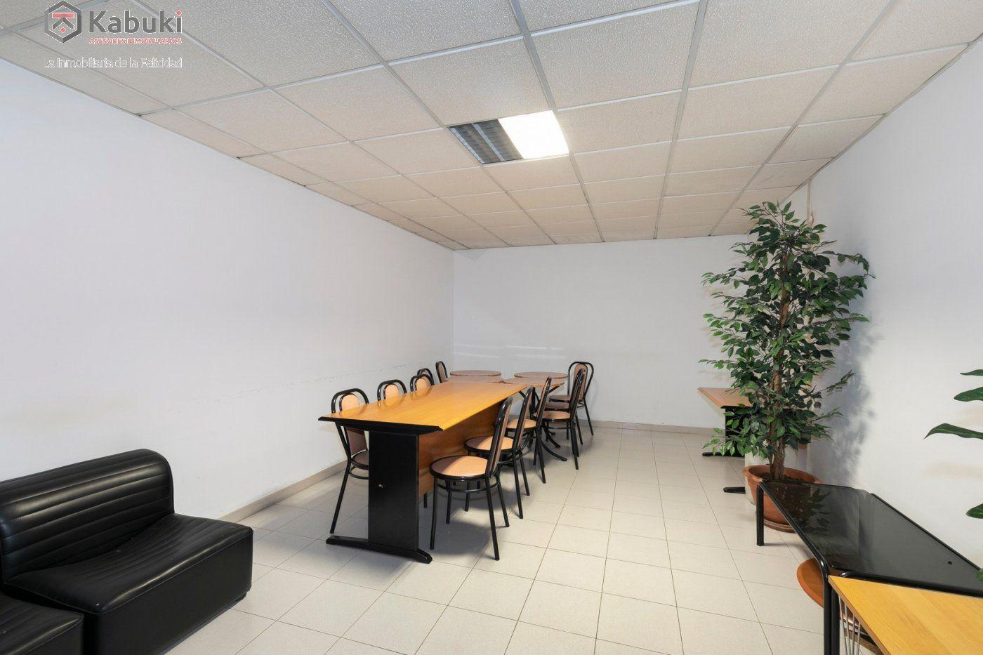 Magnífica oficina luminosa con un inmejorable acceso desde la circunvalación - imagenInmueble9