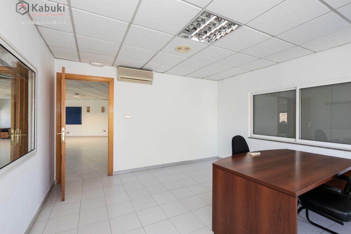 Magnífica oficina luminosa con un inmejorable acceso desde la circunvalación - imagenInmueble10