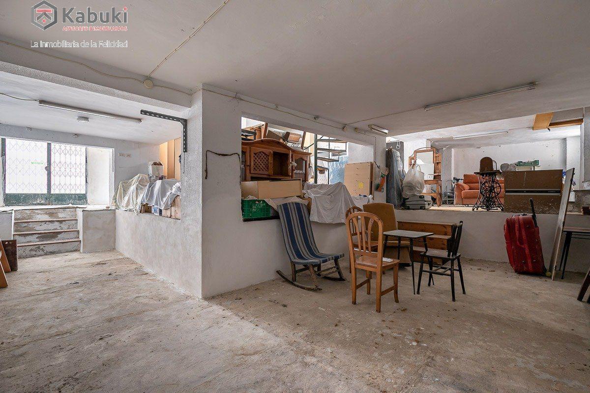 Edificio completo con viviendas y locales. situado a espaldas de la encarnación. alta rent - imagenInmueble27
