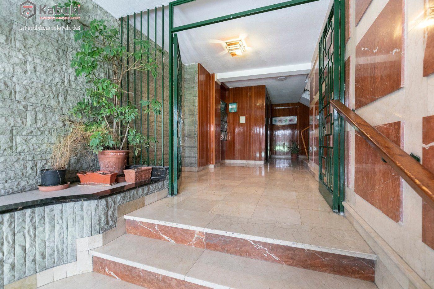 Bonito piso exterior en fantástica ubicación. junto facultad de derecho y gran via. - imagenInmueble4