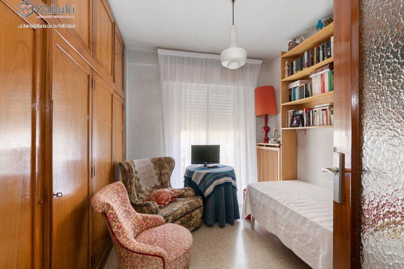 Bonito piso en ubicación inmejorable. entre gran vía y facultad de derecho - imagenInmueble4