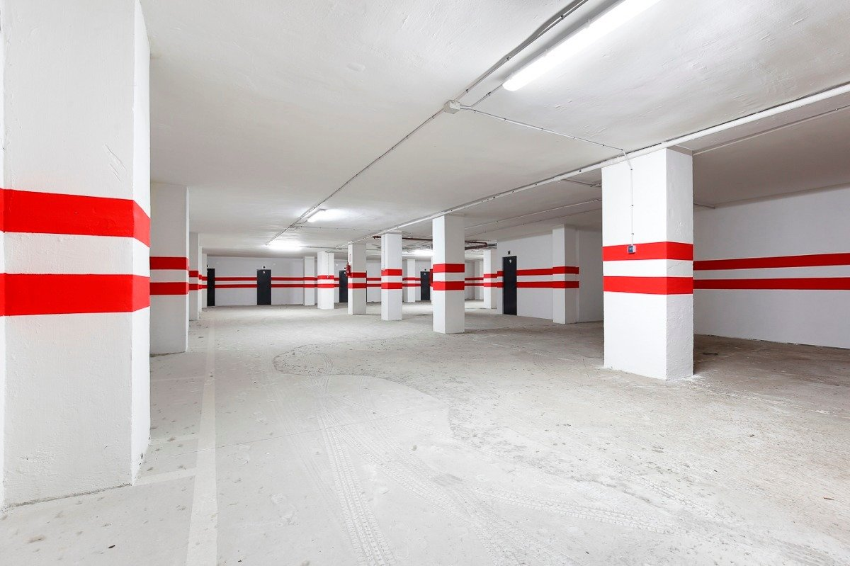 Si estas cansado de dar vueltas con el coche, tenemos fantástica plaza de garaje con trast - imagenInmueble2