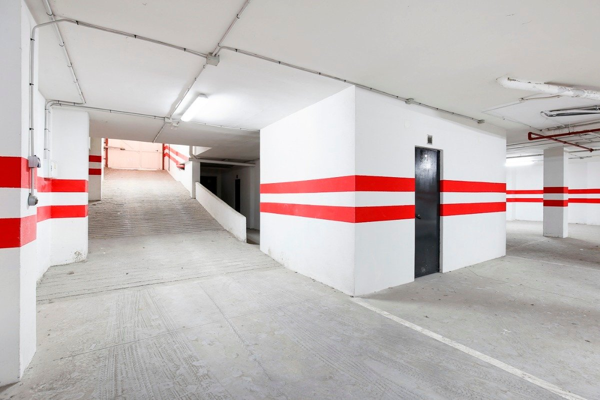 Si estas cansado de dar vueltas con el coche, tenemos fantástica plaza de garaje con trast - imagenInmueble7
