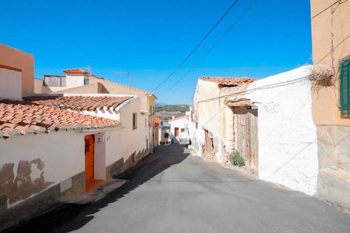 Casa de pueblo de 80 m2 ideal para vivir en plena tranquilidad. en mitad de la naturaleza - imagenInmueble22