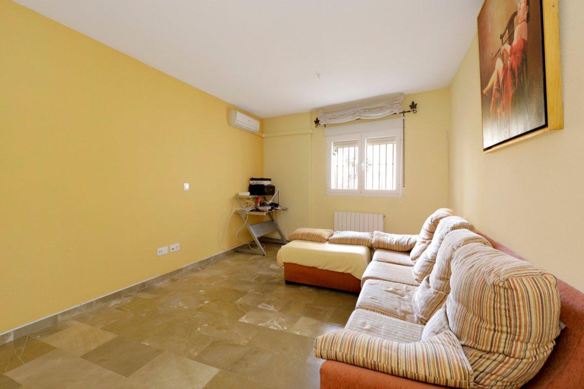 Estupendo inmueble para entrar, con las mejores calidades y en Edificio con pocos años de antigüedad, Granada