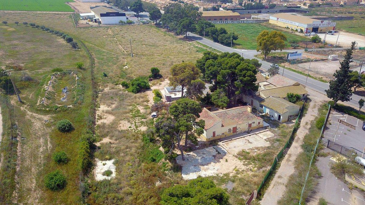 casa-con-terreno en cartagena · santa-ana-pueblo 300000€