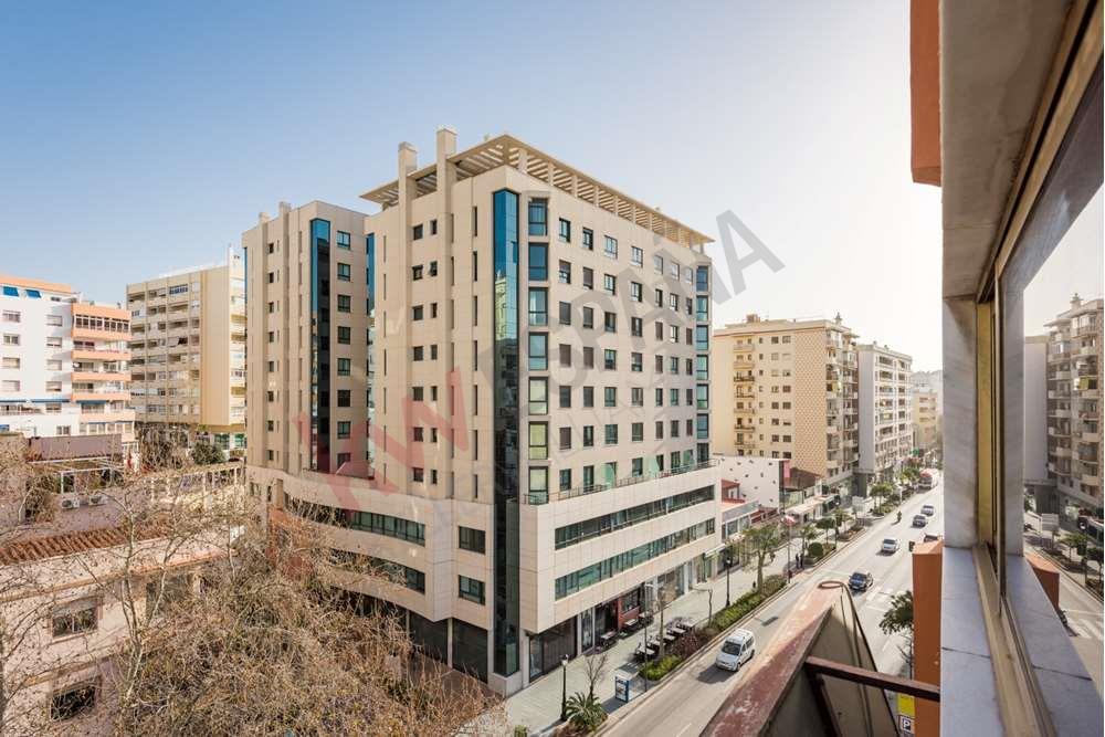 oficina en marbella · marbella-centro 245000€
