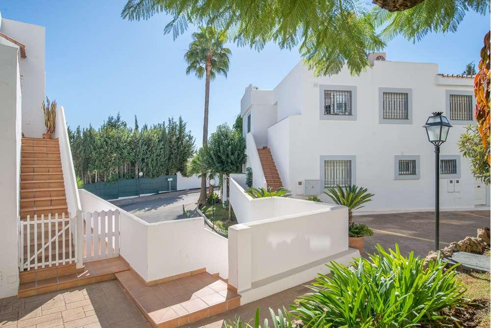 apartamento en marbella · nueva-andalucia 240000€