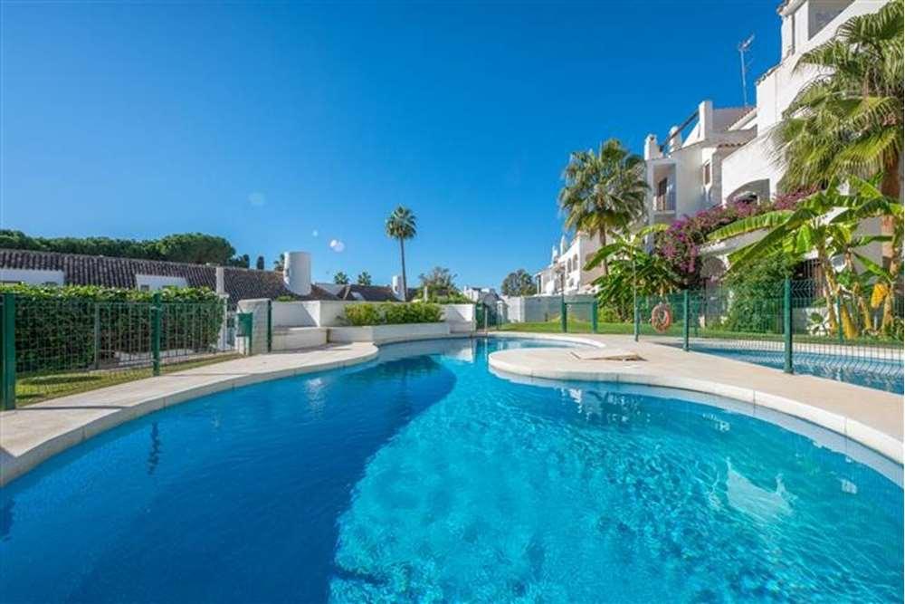 apartamento en marbella · nueva-andalucia 445000€