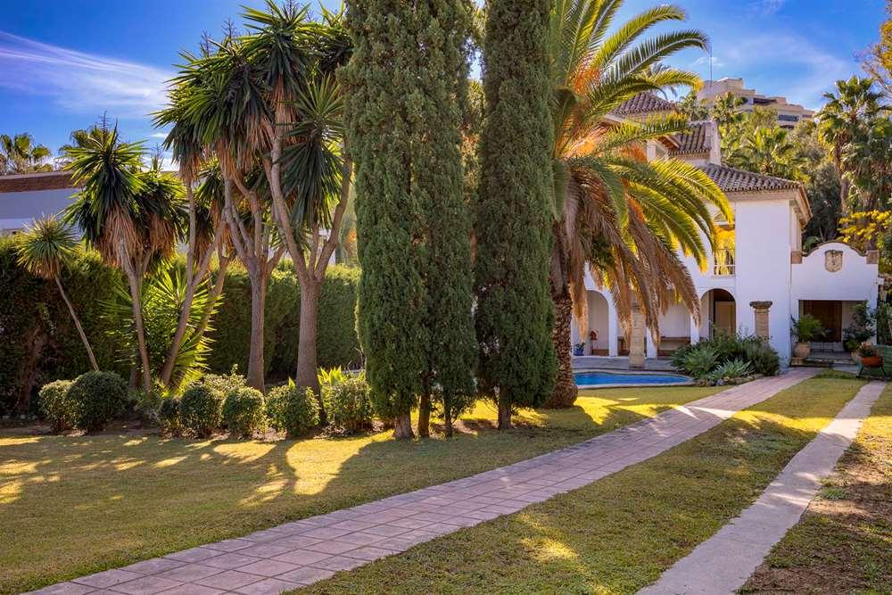 villa en marbella · nueva-andalucia 950000€