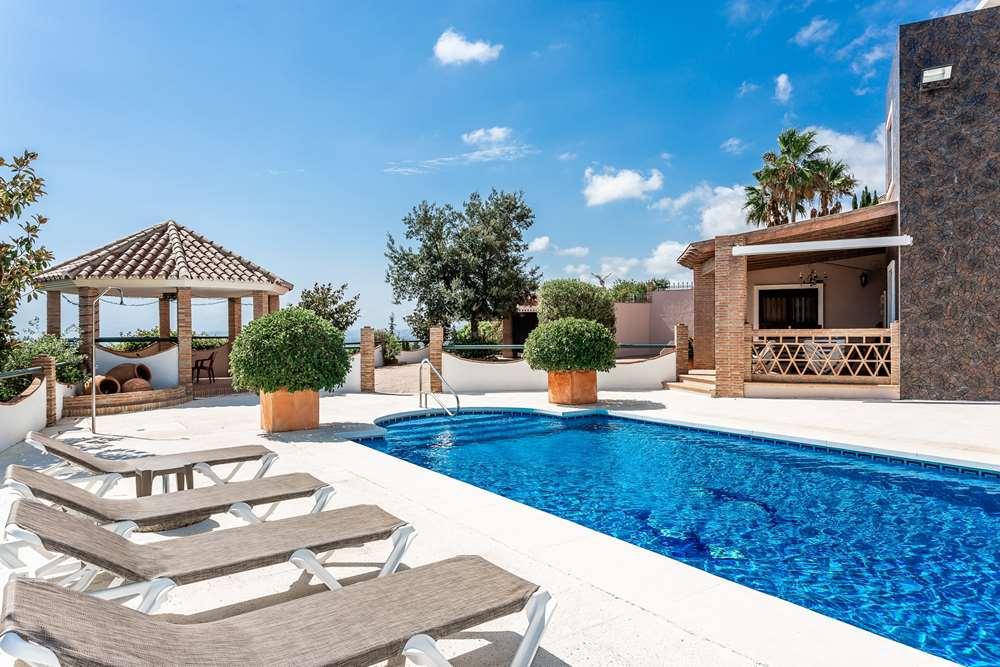 villa en estepona · altos-de-estepona 1100000€