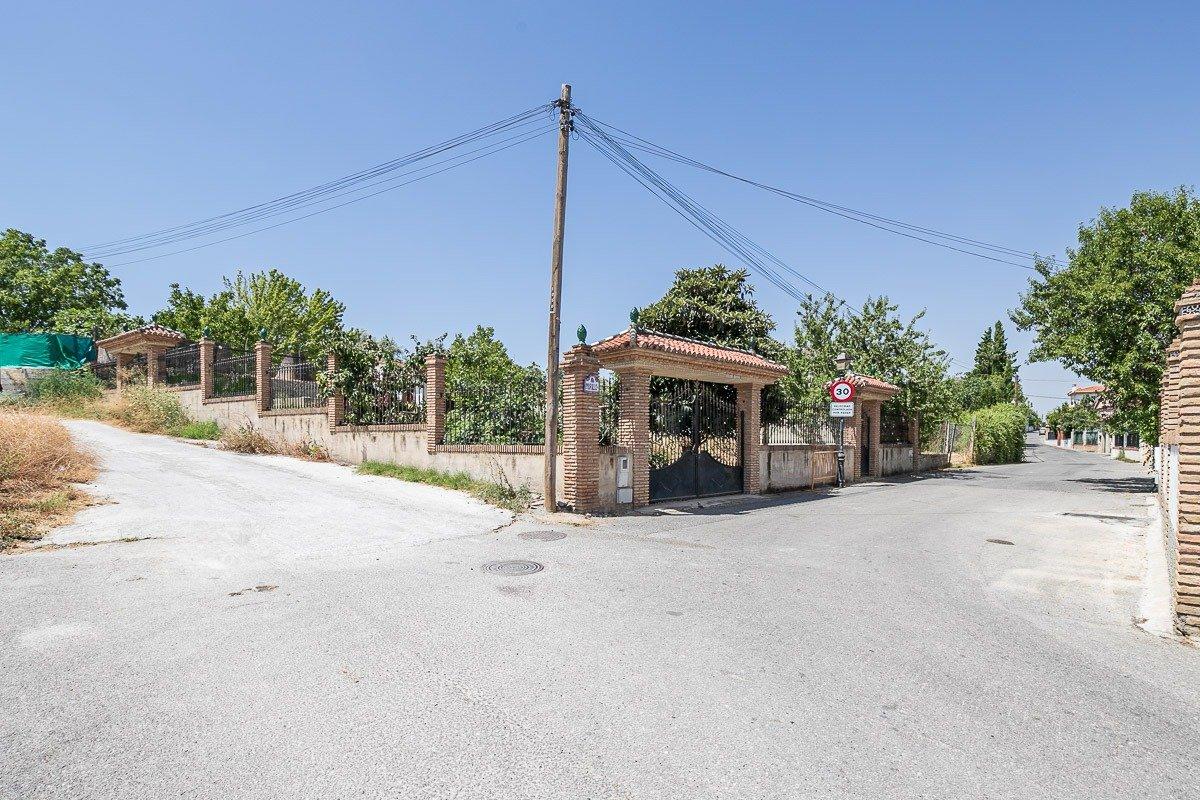 Parcela rústica en venta en Ogíjares