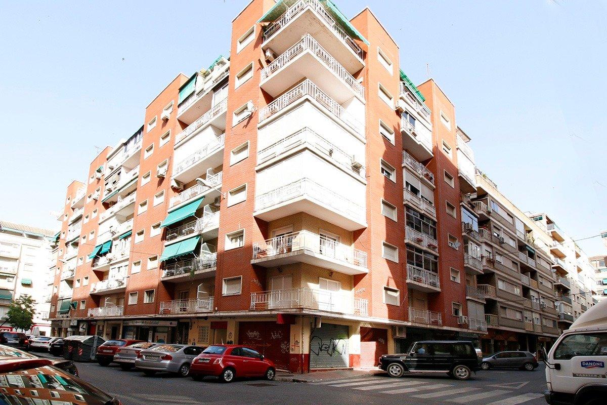 Junto a Calle Recogidas, Granada