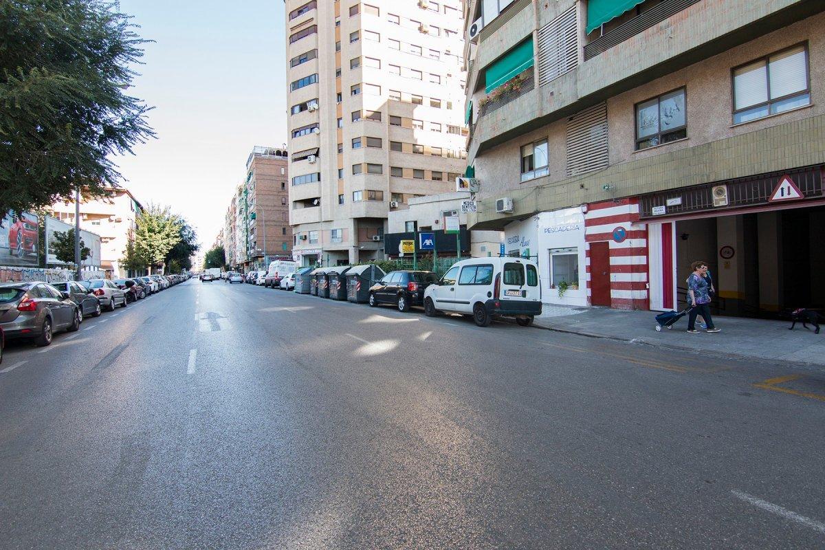 Ideal plaza de garaje cerrada junto glorieta de Arabial