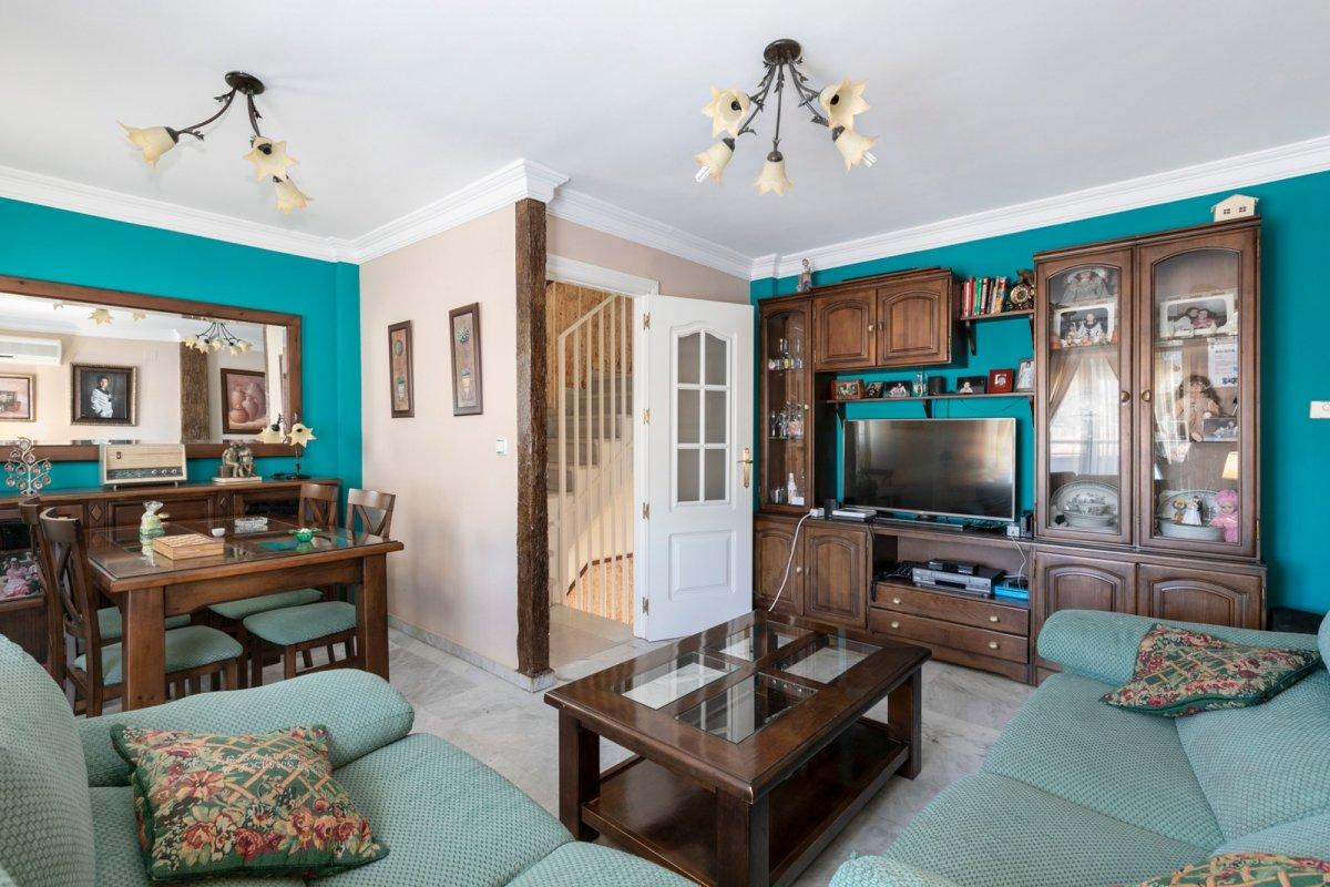 Ideal casa adosada en Lomalinda, Ogíjares