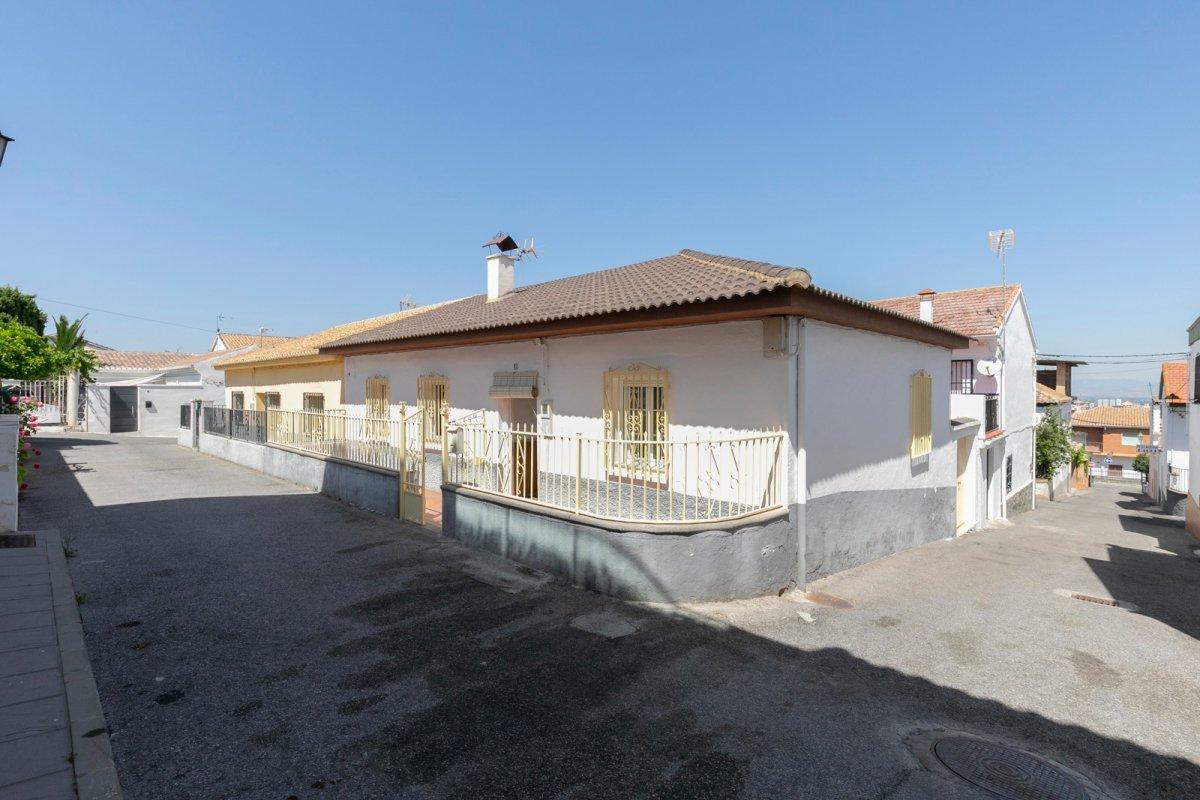 Casa de pueblo en Bellavista (Cájar), para reformarla a su gusto o como posible nueva construcción, Granada