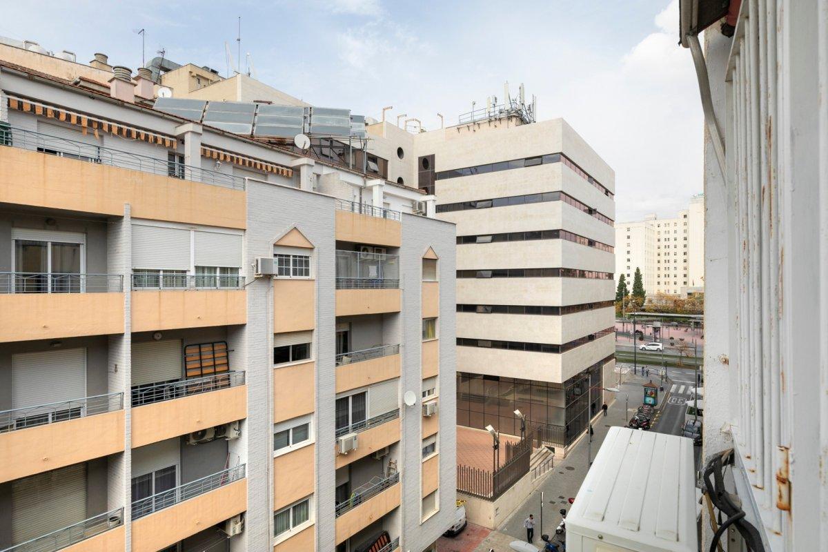 Bonito piso de 3 dormitorios en esquina y muy luminoso en Pajaritos, Granada