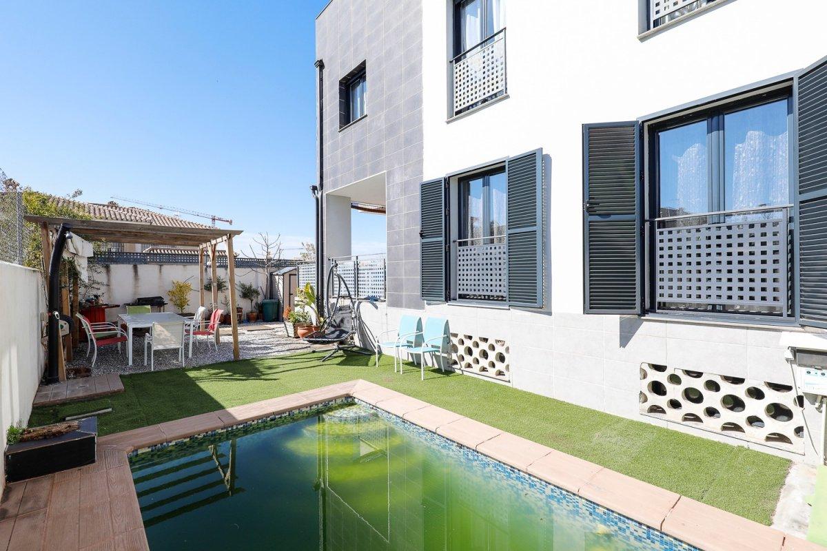 ¿Buscando una casa seminueva con piscina a la entrada de Ogijares? ¡Bingo!, Granada