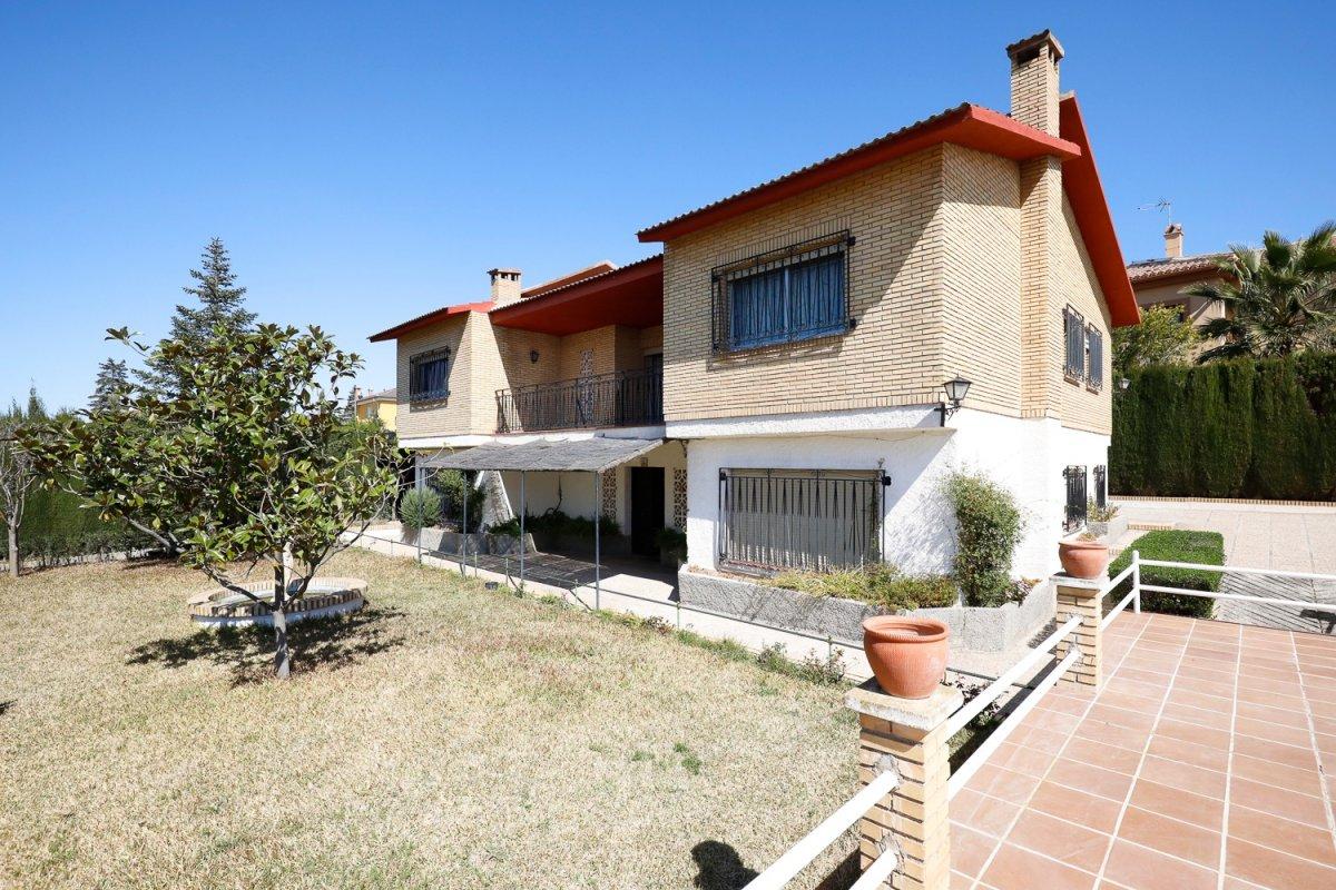 Ref: A4262V5 Si está buscando una vivienda para disfrutar de espacio, esta es. (www.idealhouse.es), Granada