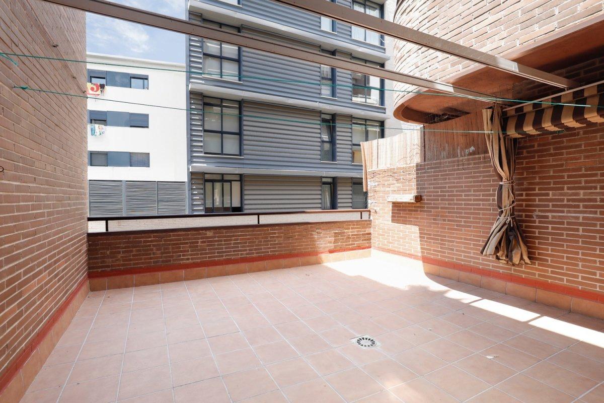 Increible piso con Gran Terraza y Cochera junto Cámara de Comercio, Granada