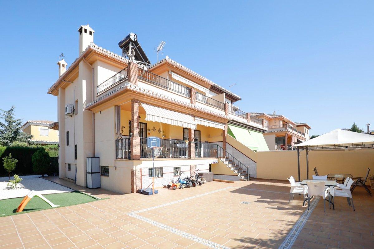 Bonita casa en Urb. El Ventorrillo con 3 dormitorios y 343m2 de parcela., Granada