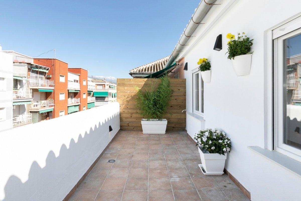 INCREÍBLE ÁTICO TOTALMENTE REFORMADO A ESTRENAR, Granada