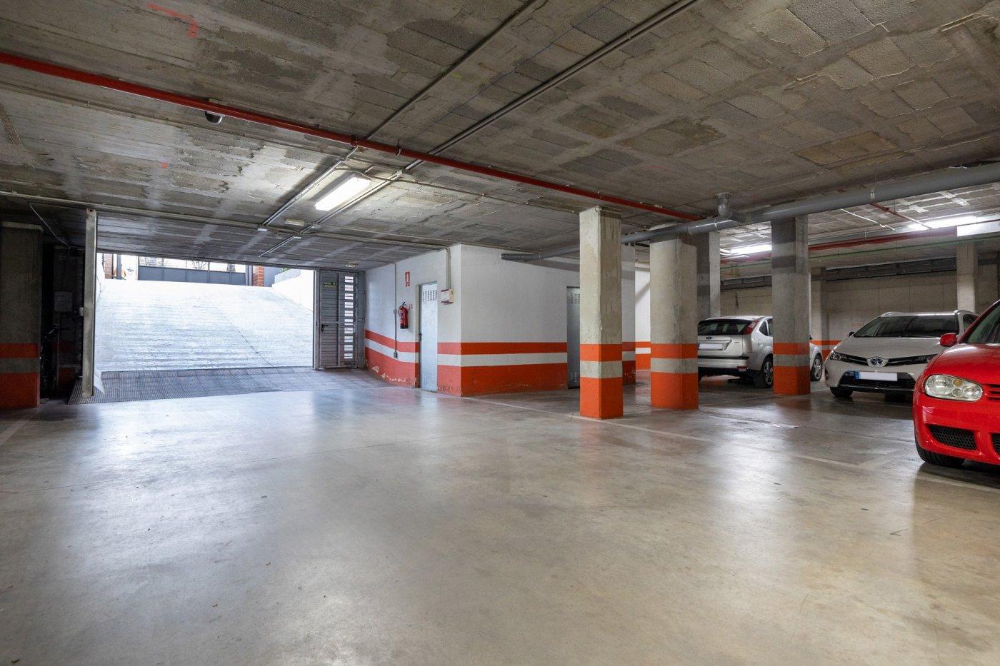 Se vende plaza de garaje bloque 4-5. urb. novosur alhendin. g-143. opción de 2º garaje  y trastero