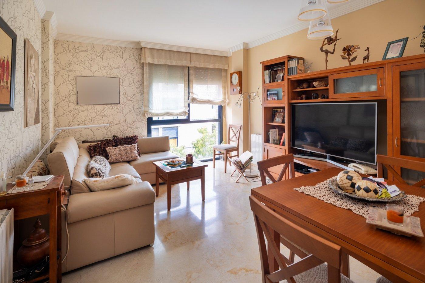 Bonito piso en buen estado+garaje+trastero en camino ronda y junto villarejo