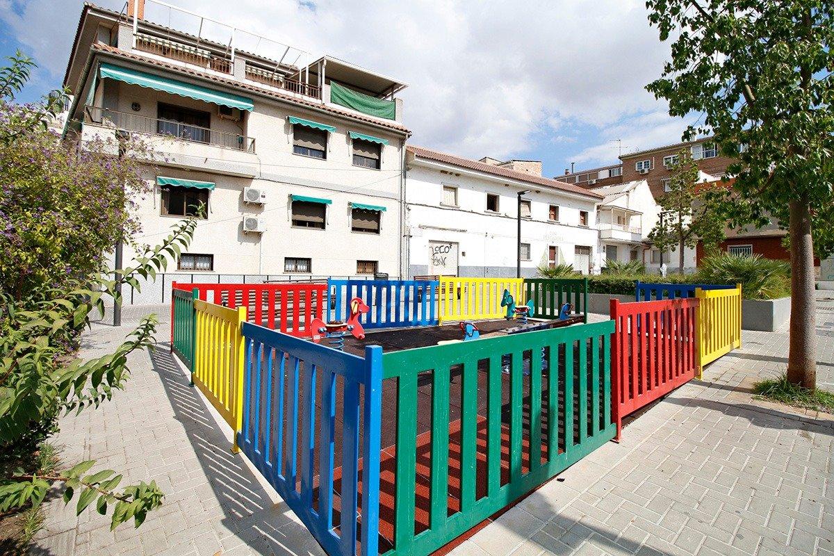 Gran local en veta en el centro de  Maracena. Ideal para cualquier tipo de negocio., Granada