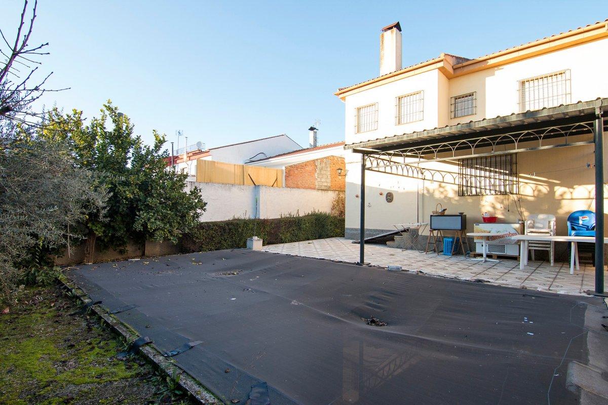 Gran Chalet pareado a 15 min de Granada. Ideal para gran familia., Granada