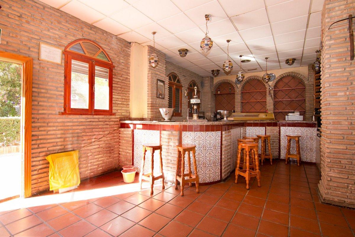 Local en venta con licencia de bar con cocina. Granada centro - Arabial. Gran bajada de precio, Granada