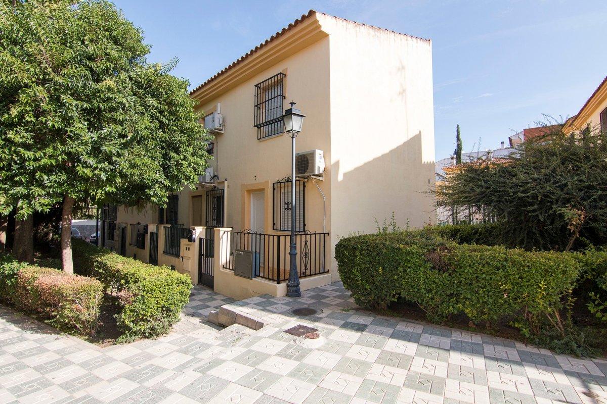 Casa en  Pulianas perfecto para vivir o como vivienda de inversión., Granada