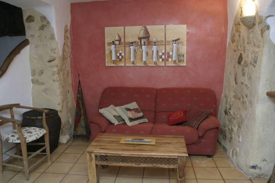 casa-de-pueblo en benifato · montana 185000€