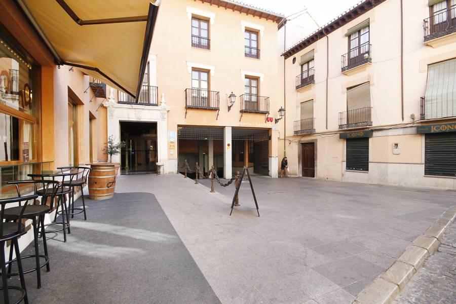 GRAN OPORTUINIDAD 2 PLAZAS DE PARKING GRANADA AYUNTAMIENTO, Granada