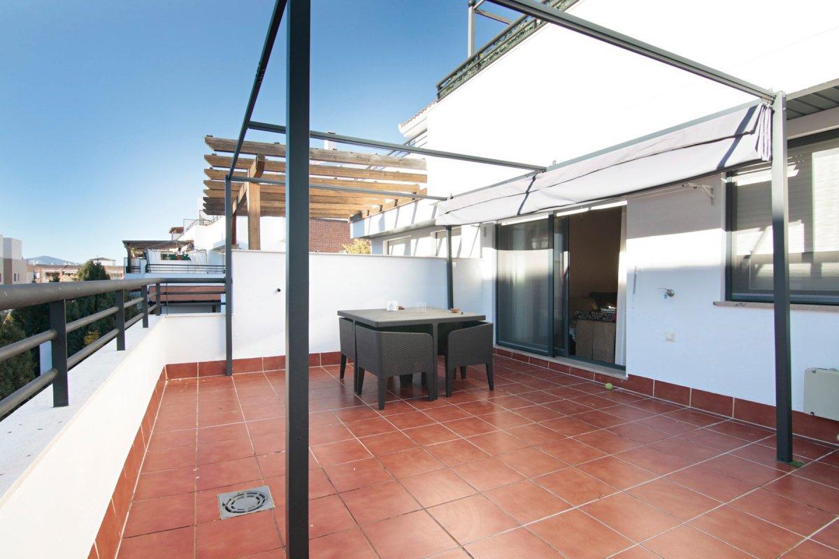 Estupendo piso en Loma Verde, Granada