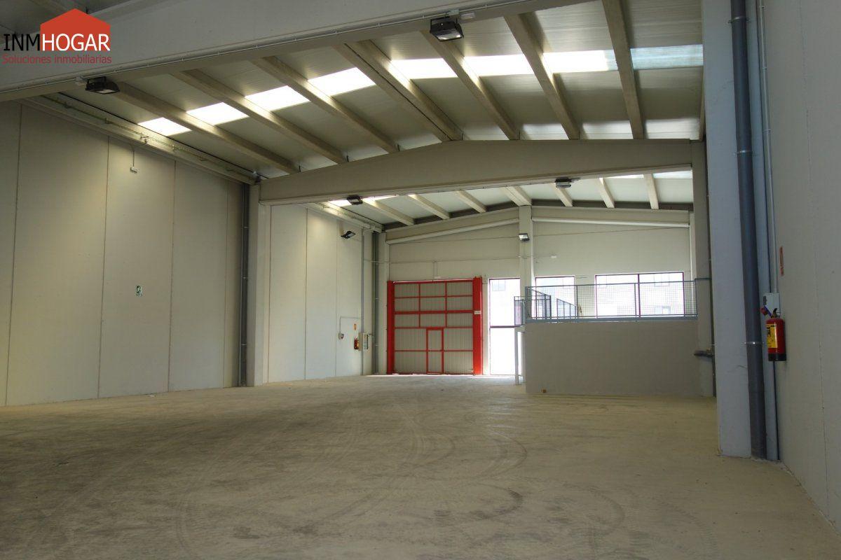Nave industrial en alquiler en Ávila