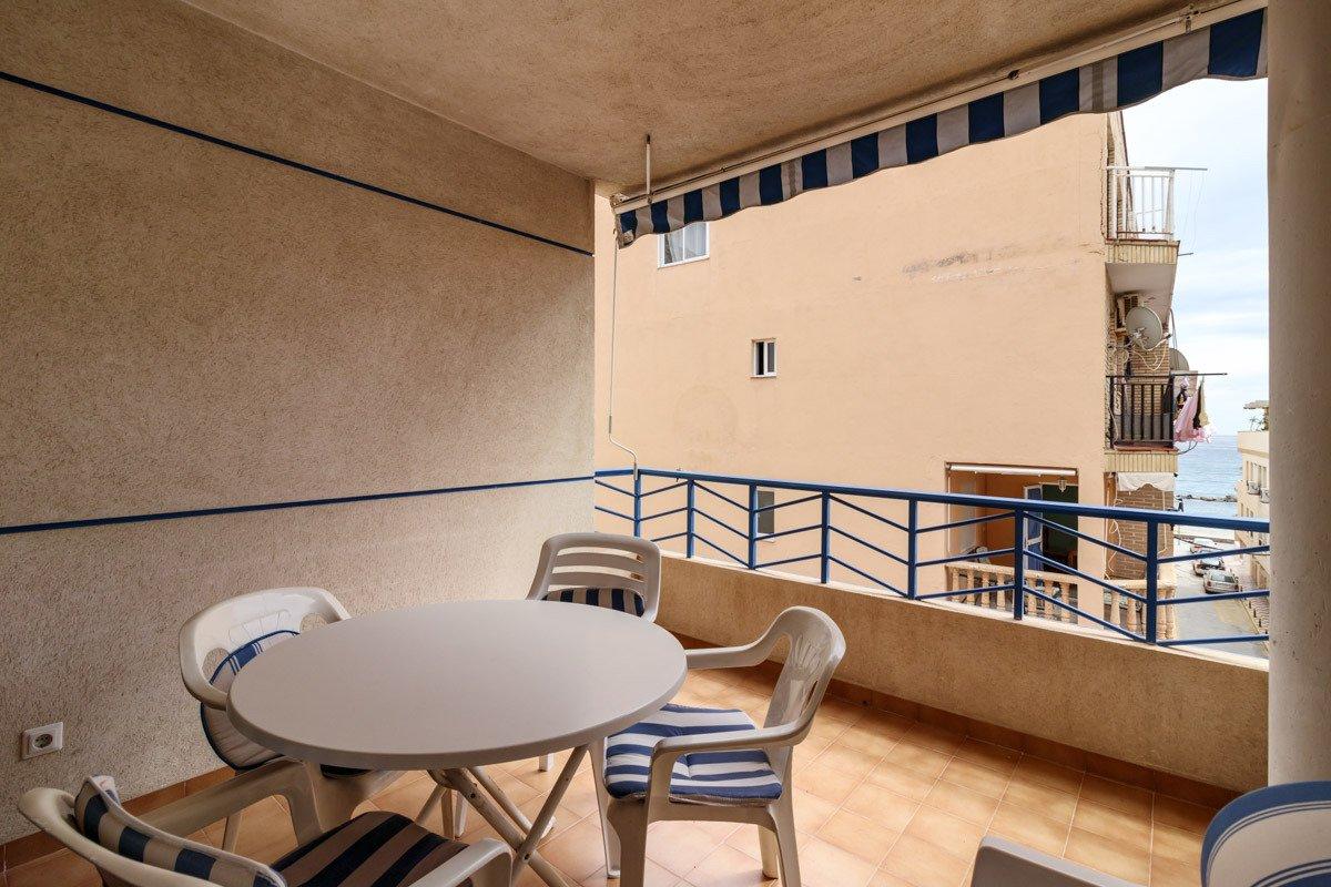 Castel del ferro. situado a 100 m2 de la playa. 2 dormitorios. 1 baño. terraza.