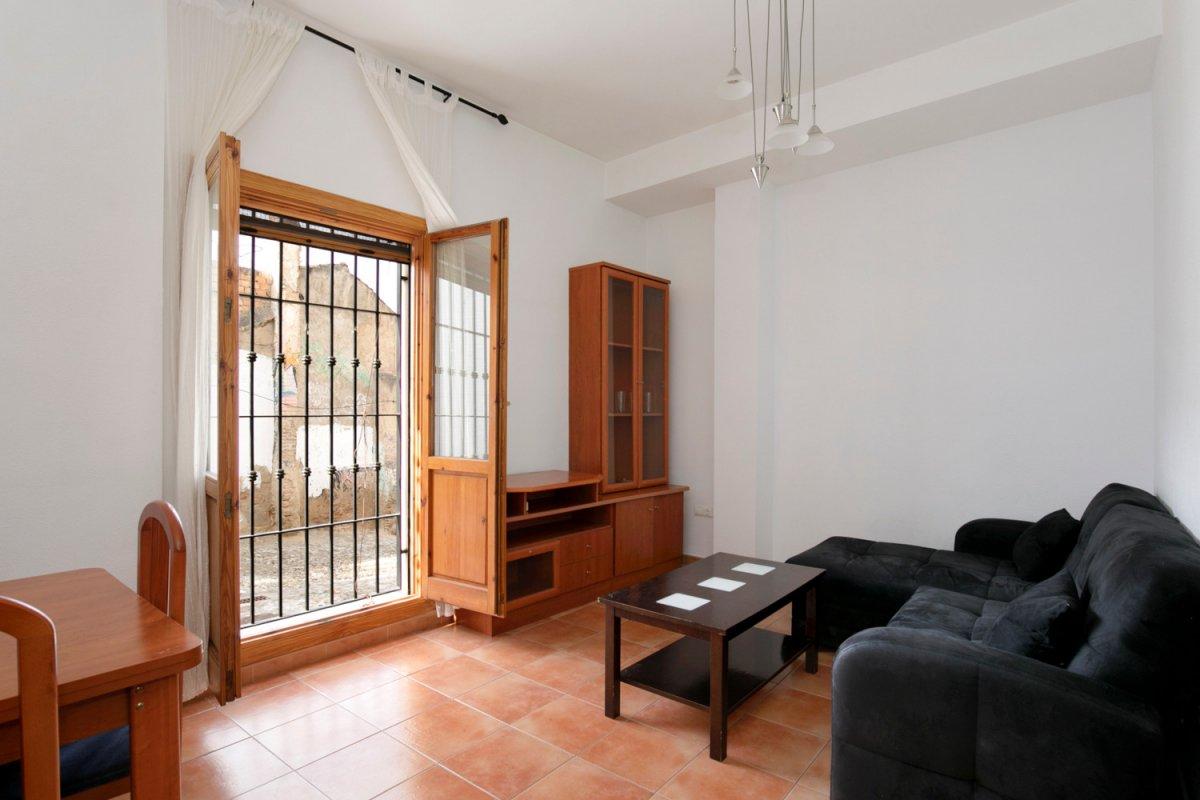 Situado en el Albayzin (Albayzin Bajo zona). 1 dormitorio. 1 baño. LICENCIA DE 1ª OCUPACIÓN., Granada