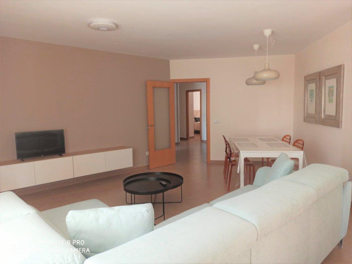 Amplio apartamento en alquiler anual - Apartamento en Denia