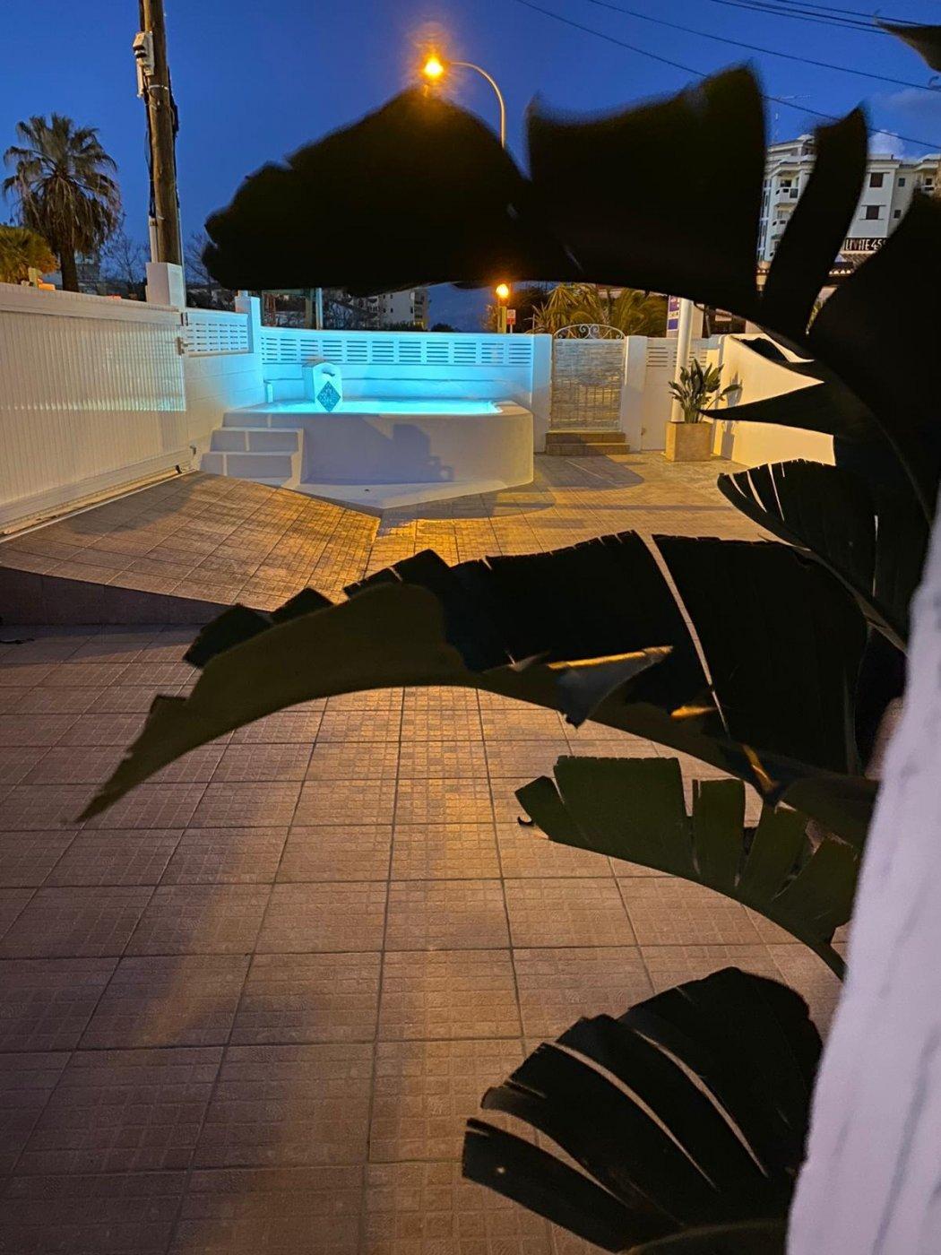 Chalet a 200 m de la playa - Apartamento en Denia