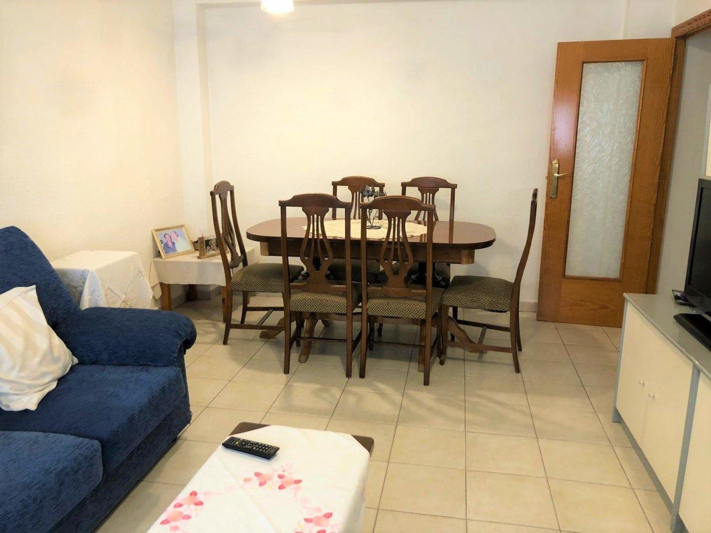 PISO  3 DORMITORIOS EN PLENO CENTRO - Apartamento en Denia
