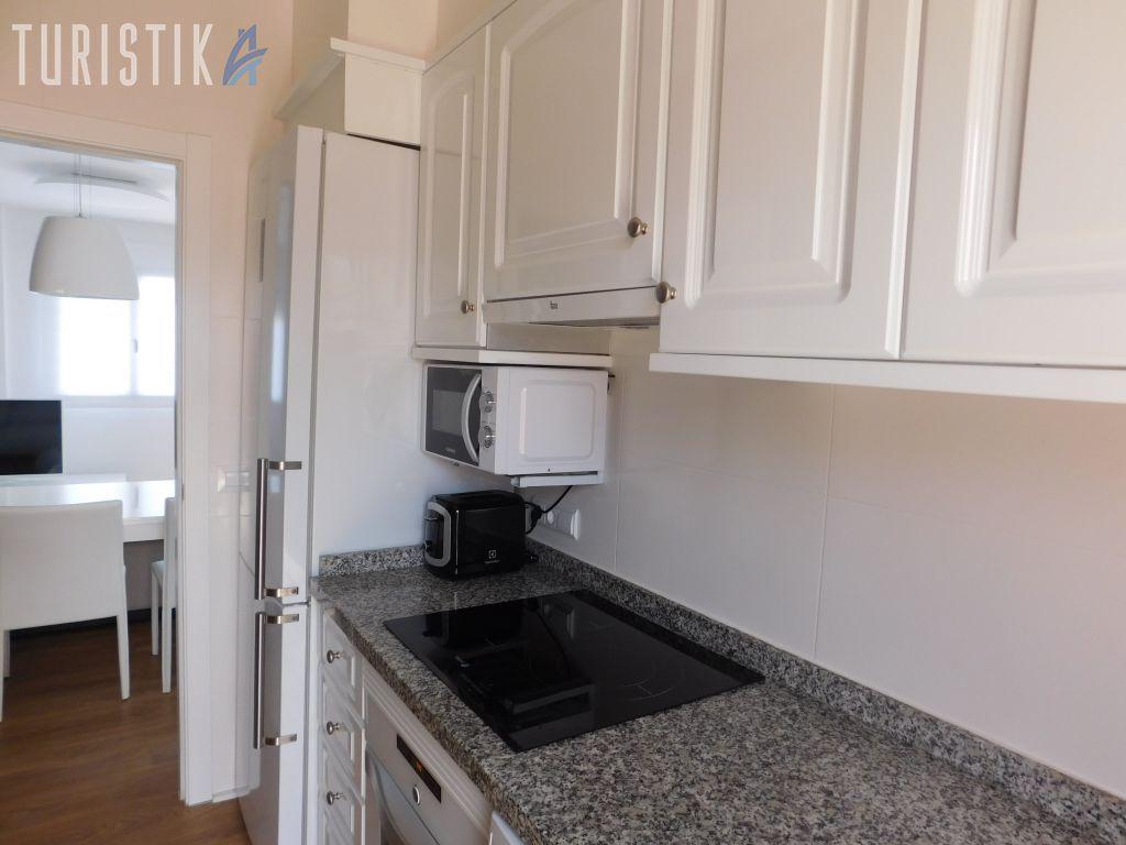 Inmueble con decoración moderna y minimalista - Apartamento en Denia
