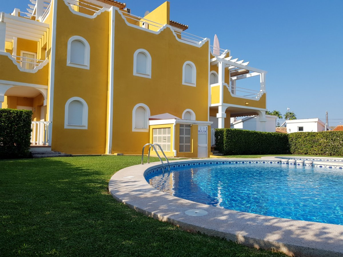 ADOSADO TRIPLEX EN LA PLAYA ALMADRABA - Apartamento en Els Poblets