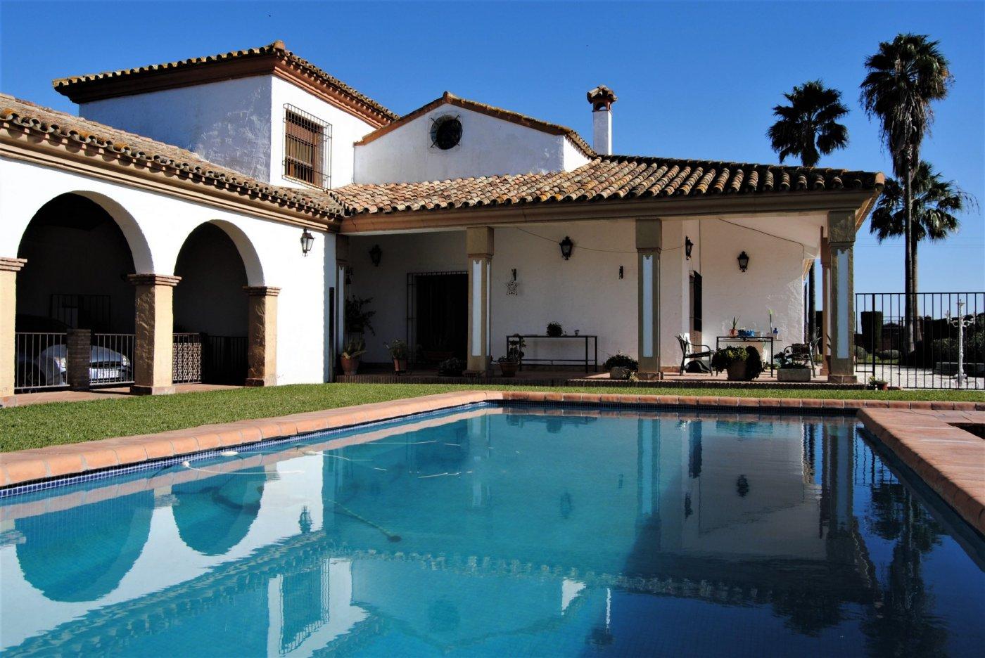 casa-con-terreno en encinarejo-de-cordoba · encinarejo 369000€