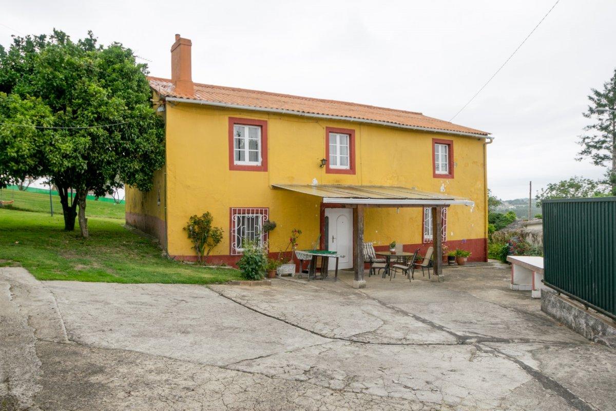 casa en cambre · brexo-lema 125000€