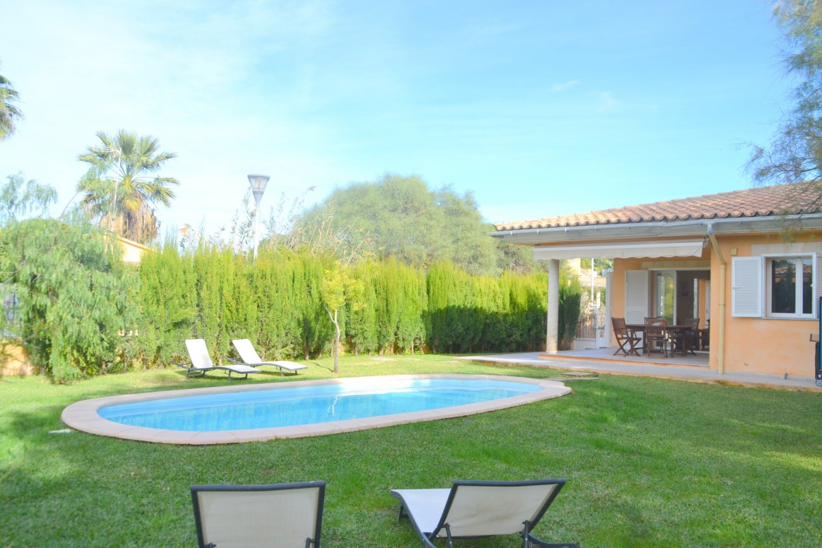 Chalet for rent in Playa de Muro, Alcudia