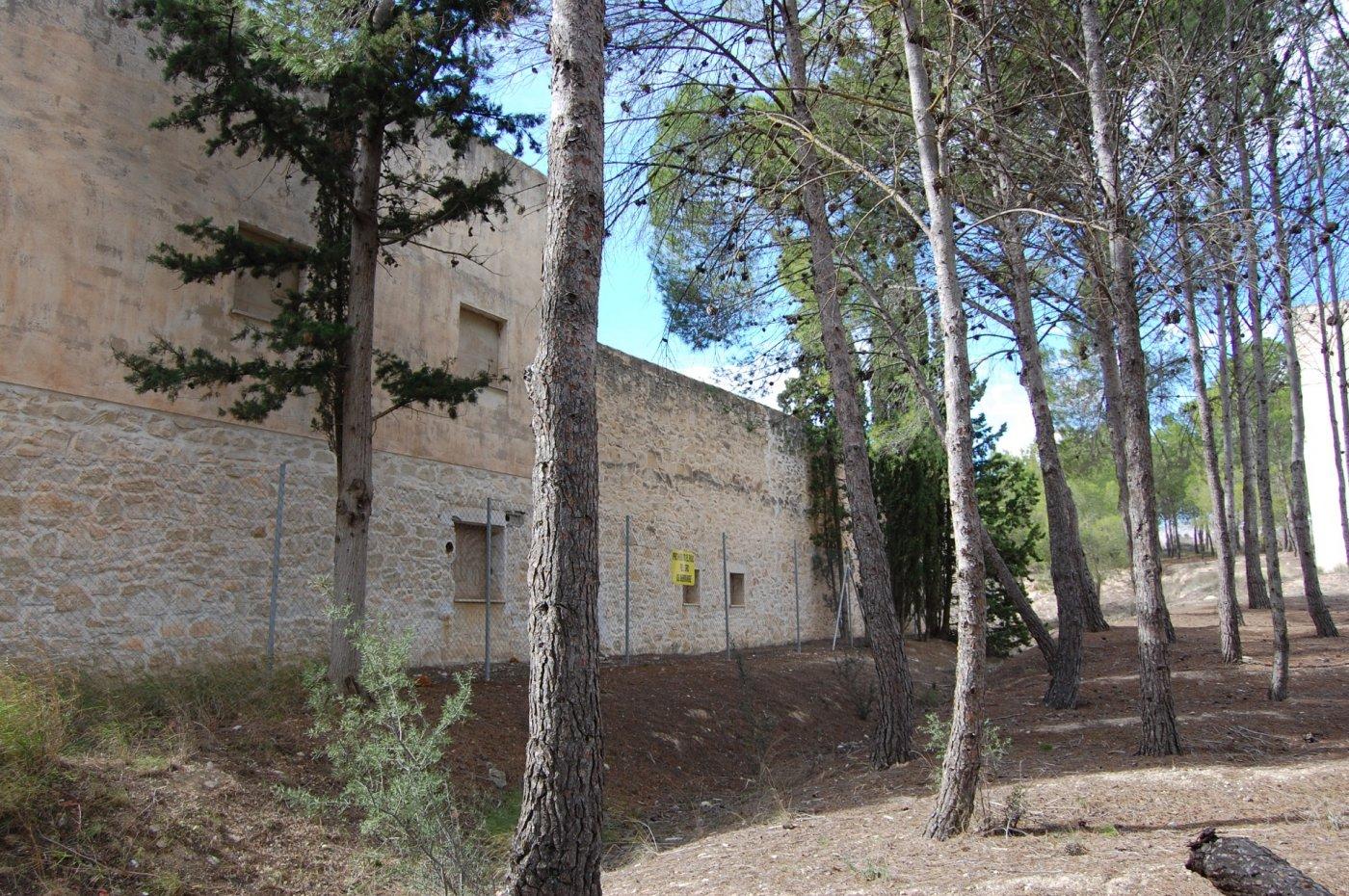 casa-con-terreno en salinas · el-puntal 108000€