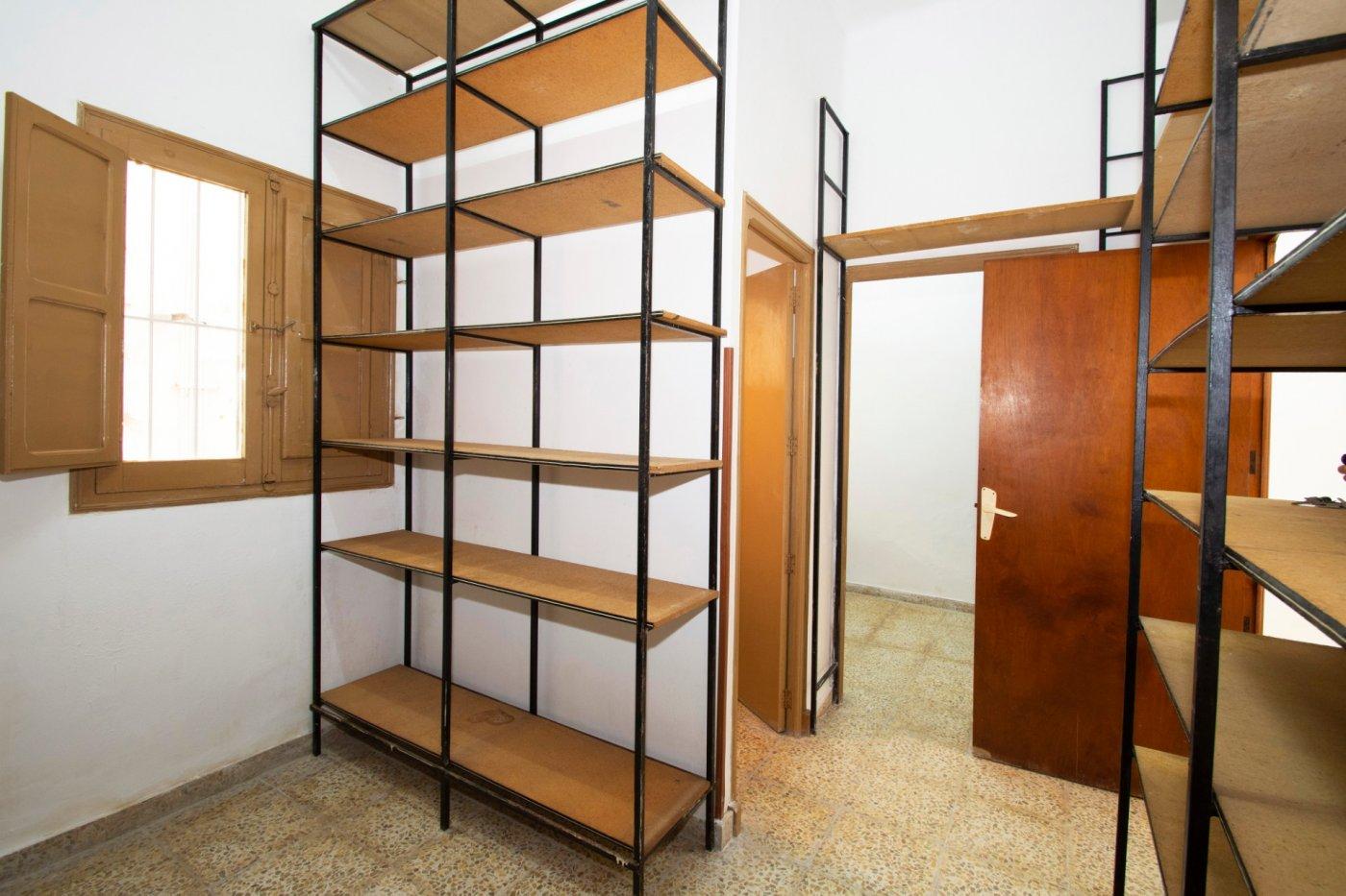 Local comercial para reformar en venta en Cartagena, Jose Maria La Puerta